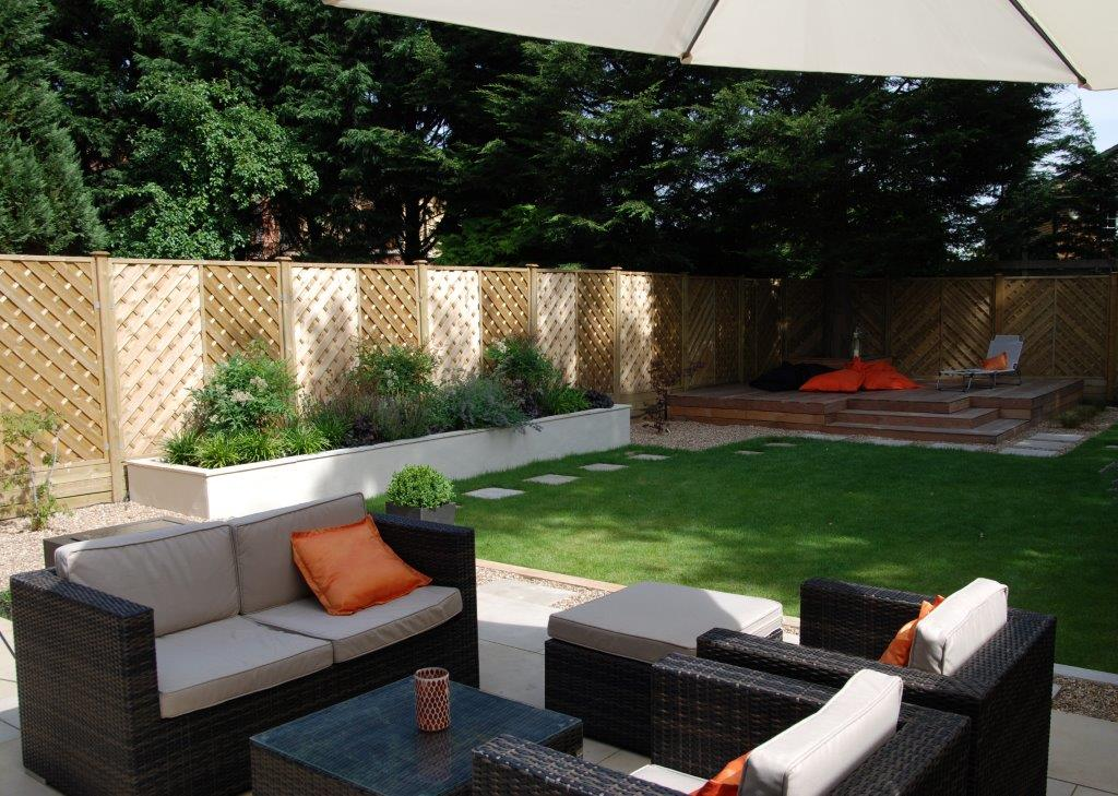 Low maintenance garden design west london for Low maintenance garden design pictures